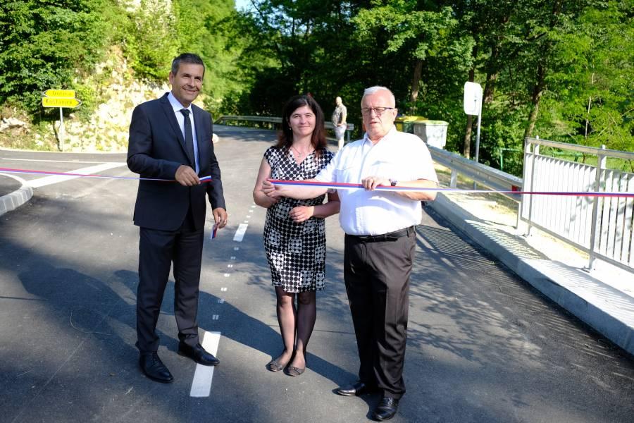 V Anžah slovesno namenu predali nov most